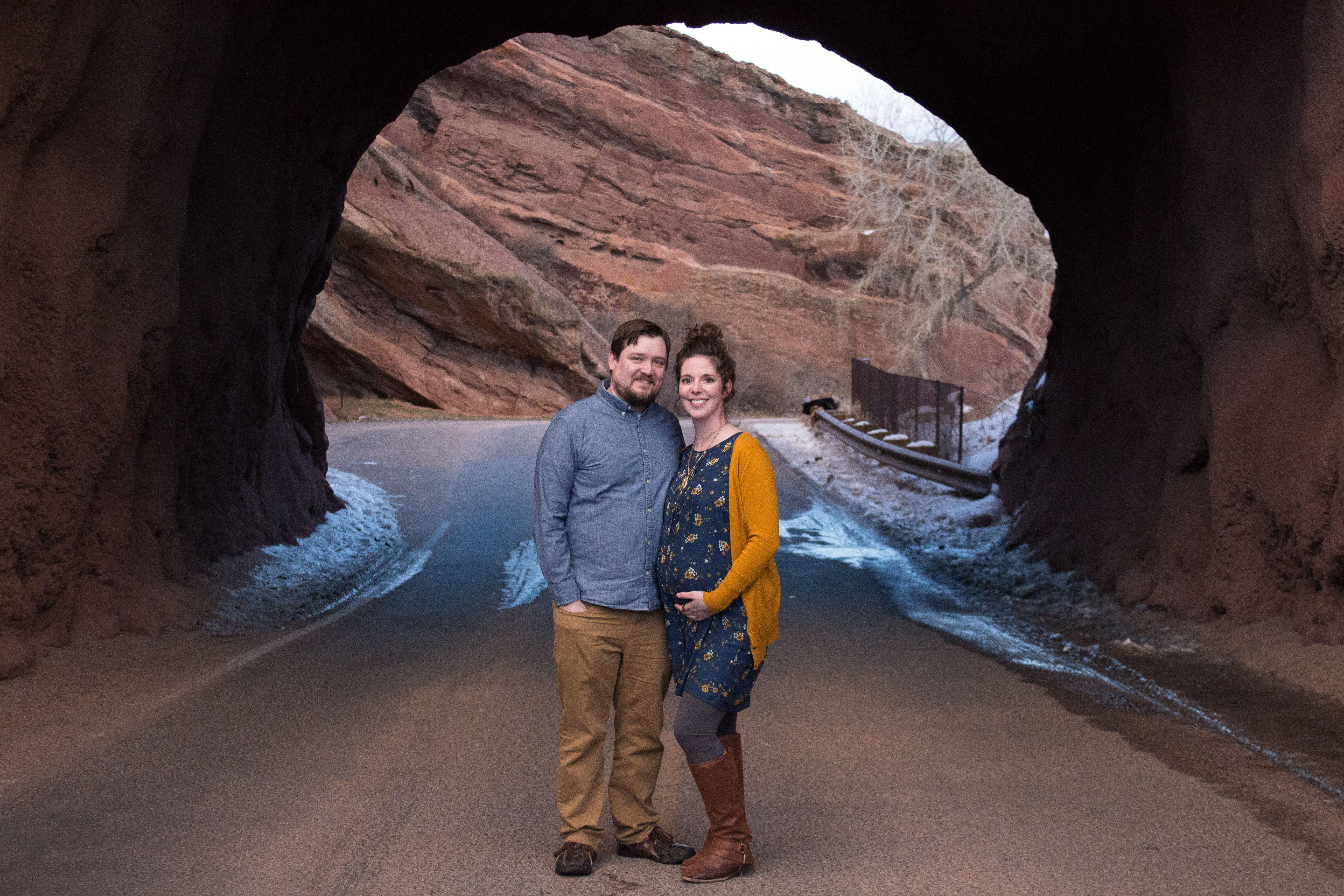 Maternity Portraits at Red Rocks_Expecting Couple in Arch