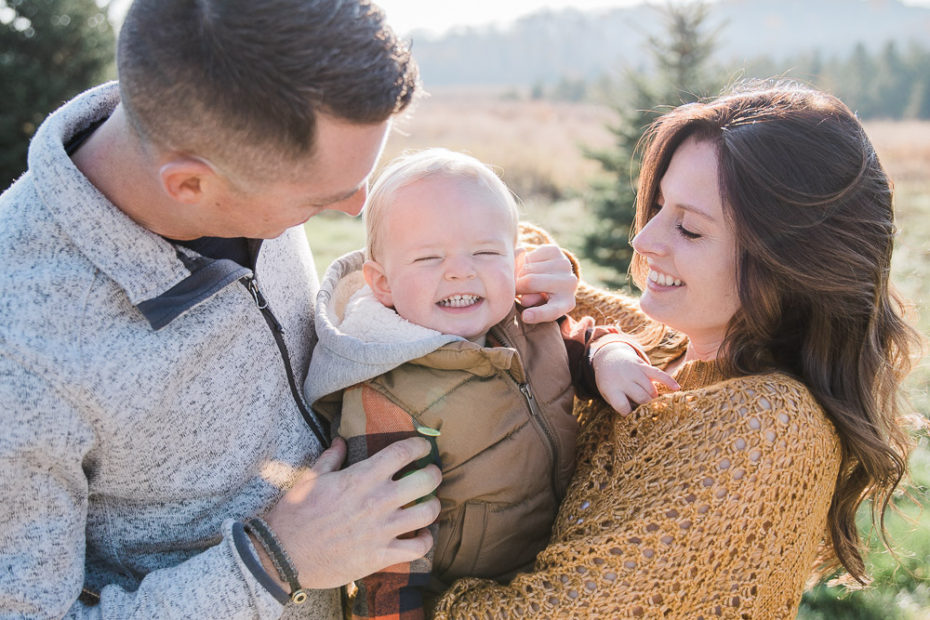 Holiday mini sessions in New Berlin Wisconsin