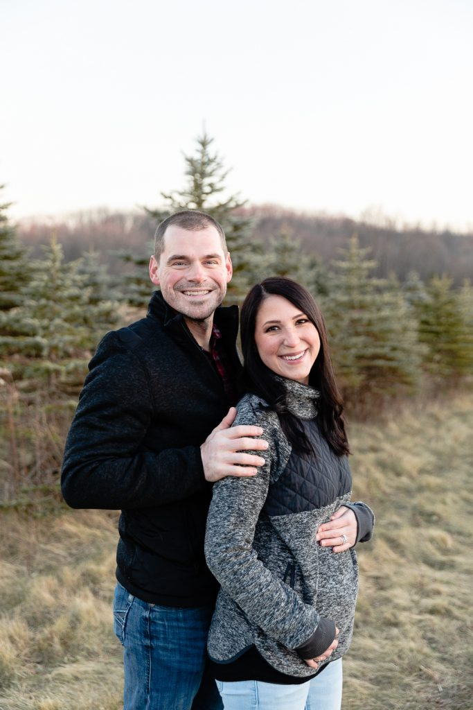 maternity photo for winter holiday cards